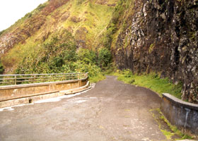 Old Pali Trail road, from Nuuanu Pali
